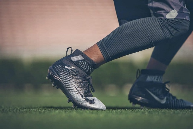 Football cleats for linebackers must be able to provide protection