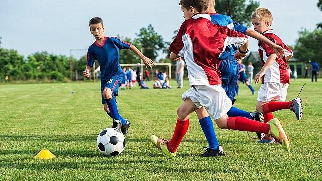 best kids football cleats